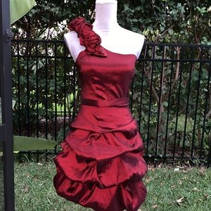 One shoulder red dress Juniors Size 5/6